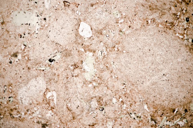 Quartz with altered feldspars and chlorite PPL (FoV 4.6 x 3.0 mm)