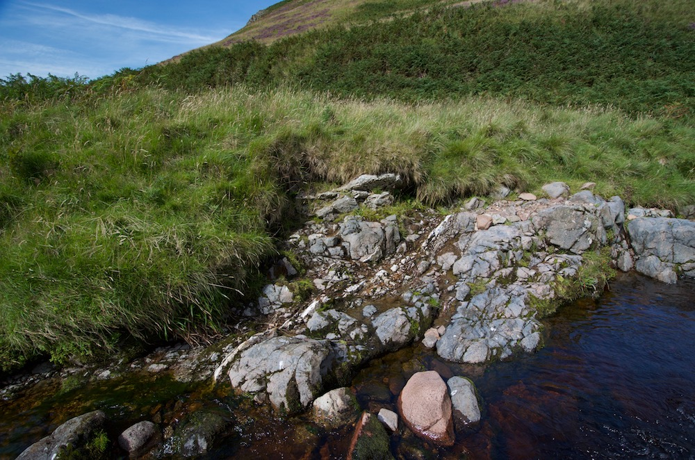 Quartz vein and brecciated rock by the River Breamish below Low Bleakhope