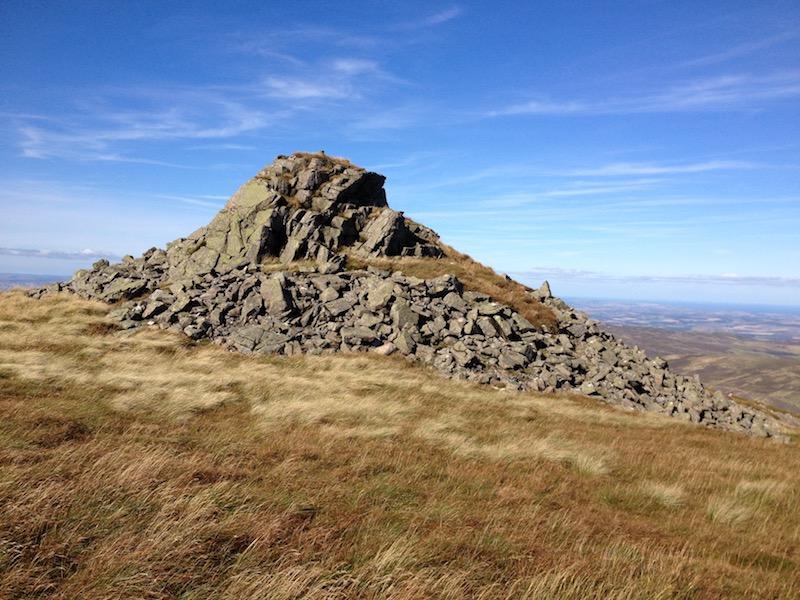 Bellyside Crag, NT905211