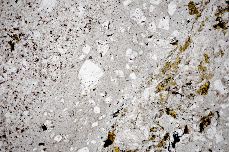 Two chilled margins in felsite dyke. Section viewed in plane polarised light (FoV 4.6 x 3.0 mm)